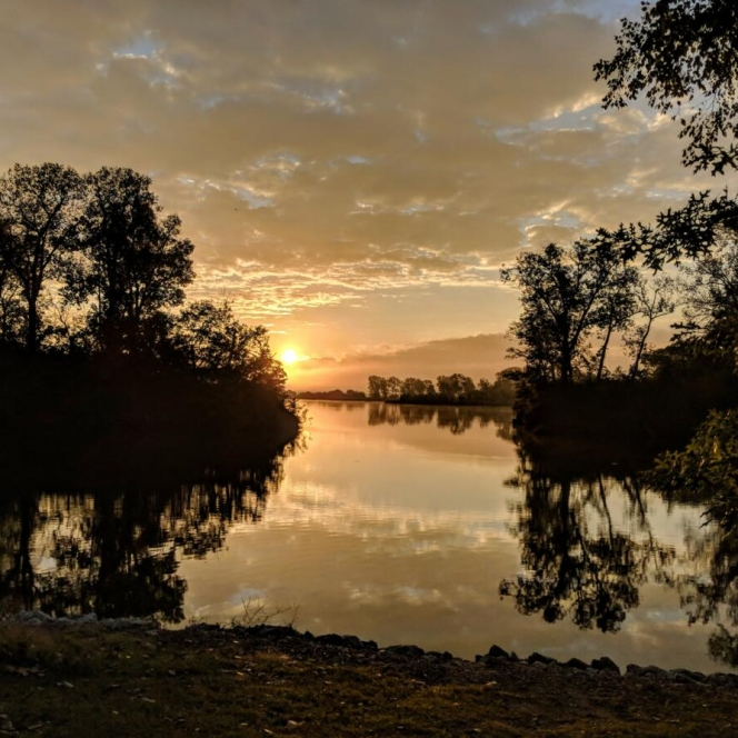 Sunrise Over Agate Lake. Photograph by Scott Long. **Selected for the My Missouri 2021 exhibition**