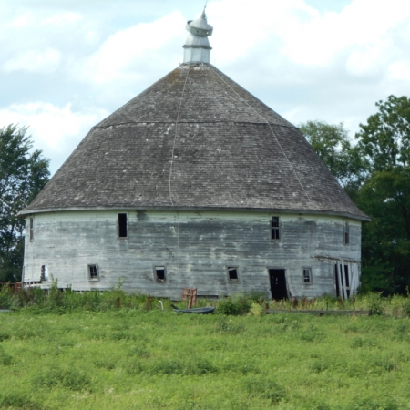 Round Barn. Photograph by Darla Brown. **Selected for the My Missouri 2021 exhibition**