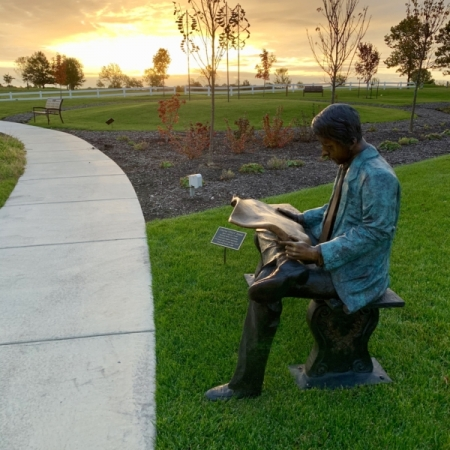 The Gardens at Hedrick Medical Center: Tribute to a Newspaper Man. Photograph by Lindy Chapman.