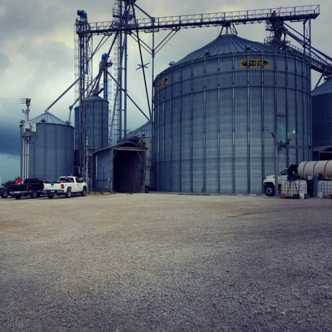 Cainsville, MO South Central Co-Op. Photograph by Sidney Ellis.