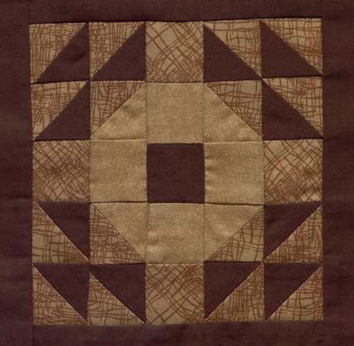 Hickory Hills - Quilted by Nancy J. Underwood. **Selected for the Missouri Bicentennial Quilt**
